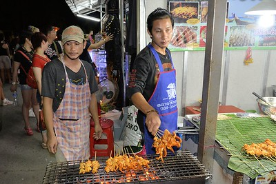 _DG17282-12R Phuket Market Grilling Octopus