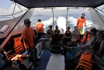 _DG17347-12R Boat & Crew