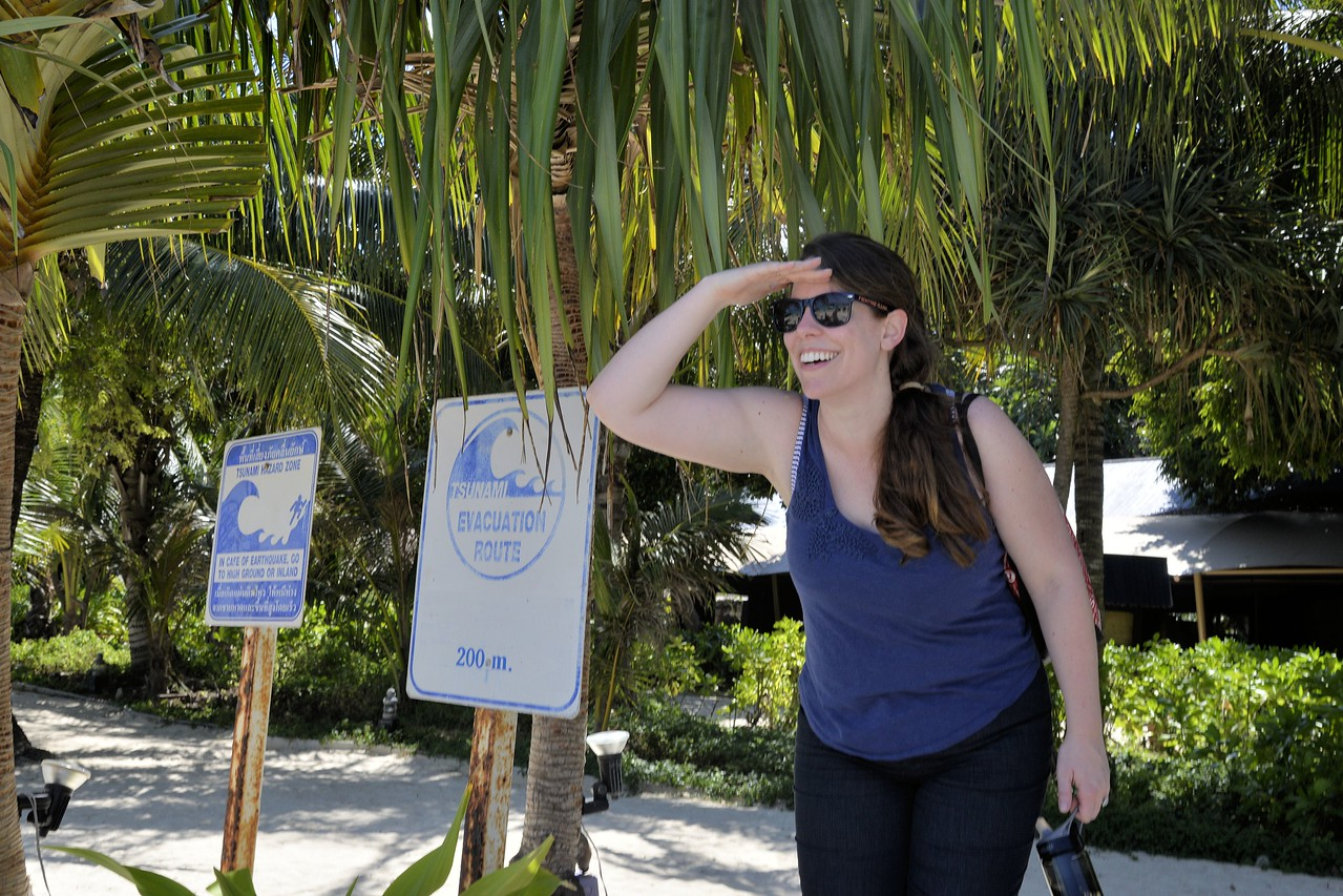_DG17407-12R Bethany looking for a Tsunami