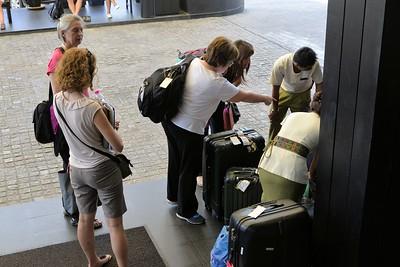 _DG16445-12R Baggage