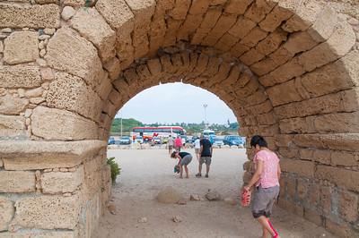 israel monday 9.7.15 caesarea 4 herods aqueduct med sea 6-1