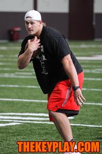Wyatt Teller shows off a few running moves during the afternoon break. (Mark Umansky/TheKeyPlay.com)
