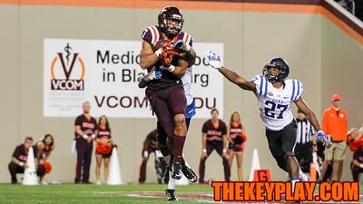 Bucky Hodges catches Virginia Tech's first touchdown in 2OT. (Mark Umansky/TheKeyPlay.com)