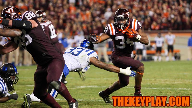 Travon McMillian runs towards the endzone in 4OT. (Mark Umansky/TheKeyPlay.com)