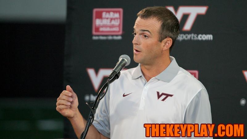 Runningbacks coach Shane Beamer answers a question at the podium. (Mark Umansky/TheKeyPlay.com)