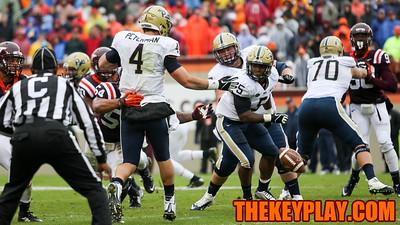 Pitt QB Nate Peterman loses the football in the second quarter. (Mark Umansky/TheKeyPlay.com)