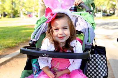 Annual Easter parade and egg hunt sponsored by the Sierra Curtis Neighborhood Association (4/4/15)