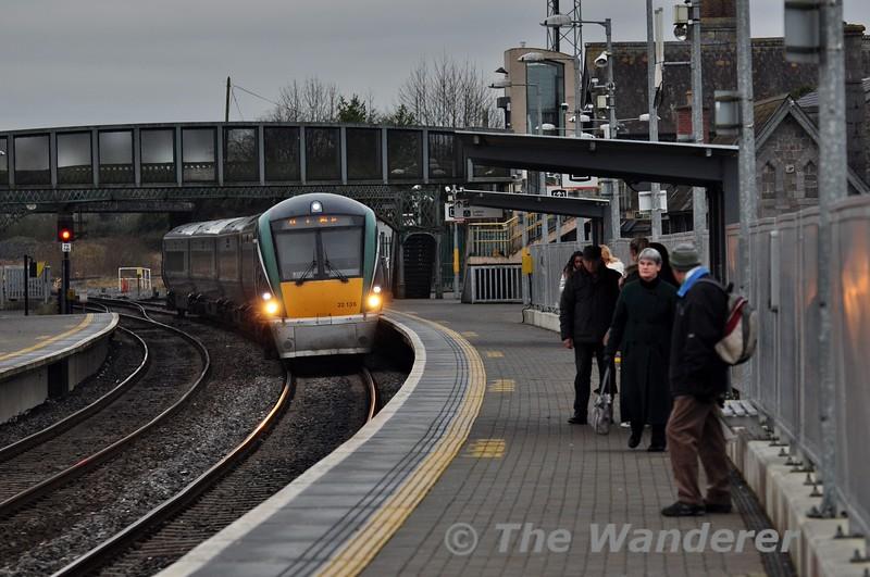 22036 arrives into Portarlington. 0730 Galway - Heuston. Sat 07.02.15