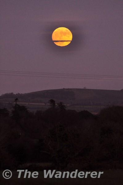 The rising Moon. Sun 04.01.15