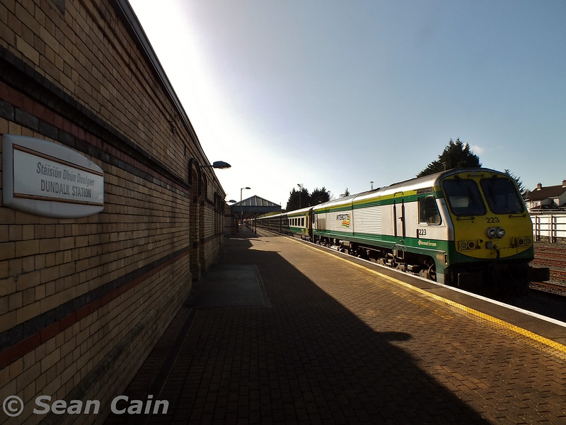 223 rests at Dundalk after arrival of the 0900 Trial from Connolly. Wed 04.03.15 <br> <br> Photo courtesy of Sean Cain.