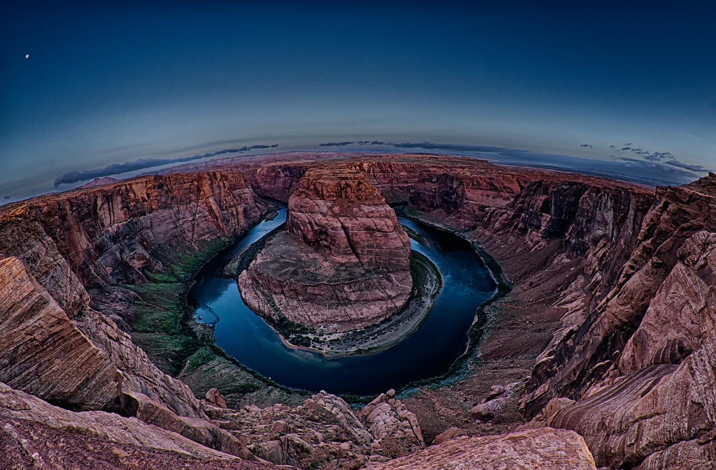 Horshoe Bend of Colorado river near Page Arizona early morning