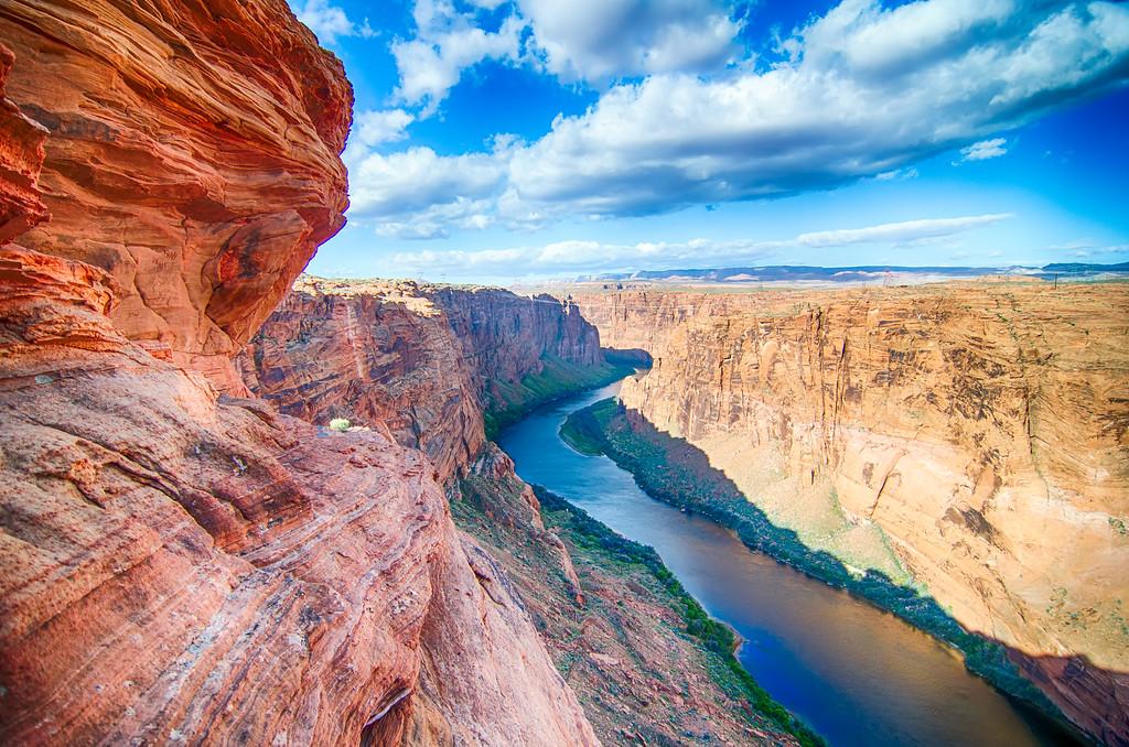 colorado viver flowing through grand canyon