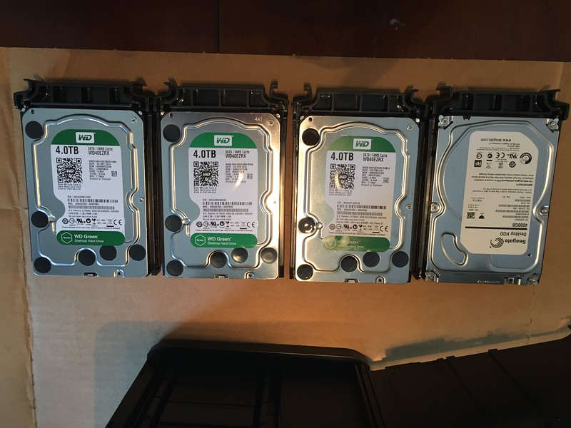 Mounting drives in caddies
