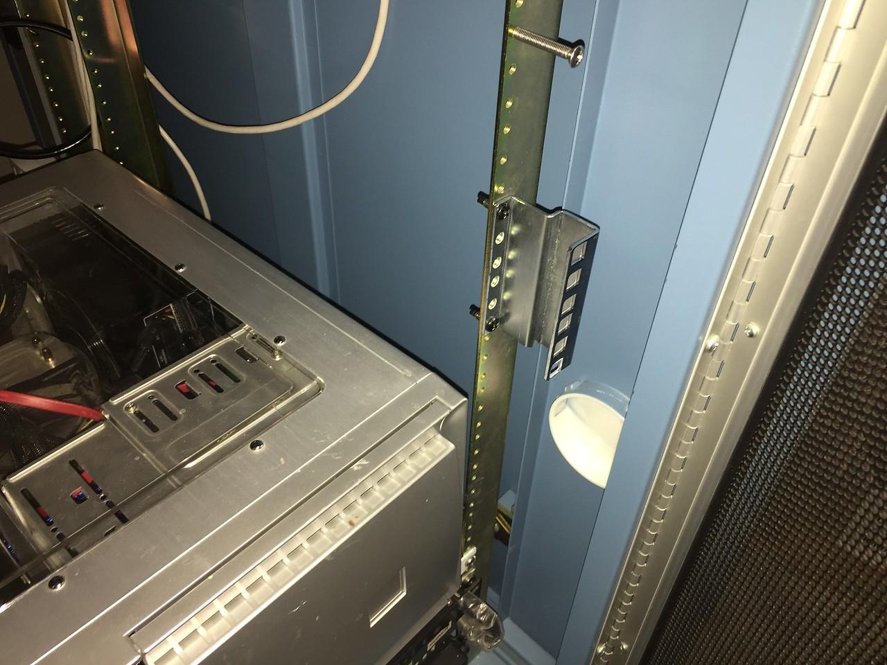 Installing rack extenders