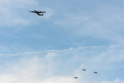 The Liberator formation turning toward the Mall.