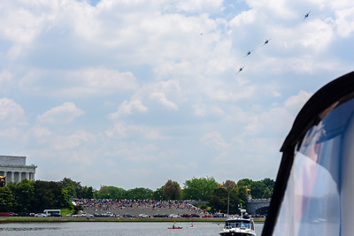 The Mustang formation turned toward the Mall just south of where we were anchored.
