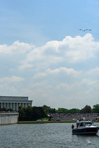 The Grasshopper formation flying west toward the Mall.