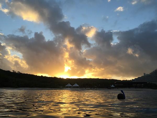 2015-02-27 Gun Beach Snorkeling (clam, parrot fish, turtles, sharks and an eel)