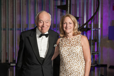 Honoree Katherine Stein Sachs, CW'69 and presenter Leonard A. Lauder, W'54.