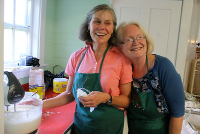 IMG_1995 cathy hazlett and julie breault take a break from kitchen work