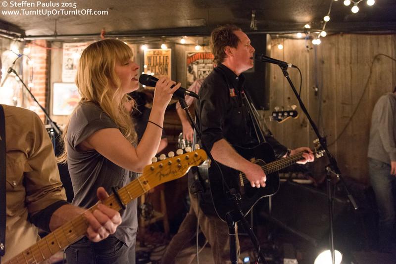 Kate Rogers joins NQ Arbuckle @ Dakota Tavern, Toronto, ON, 31-March 2015