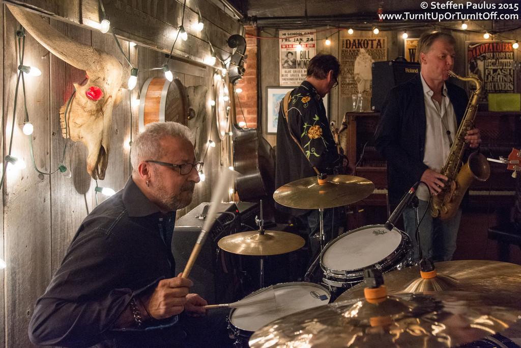Lee Harvey Osmond @ Dakota Tavern, Toronto, ON, 7-April 2015