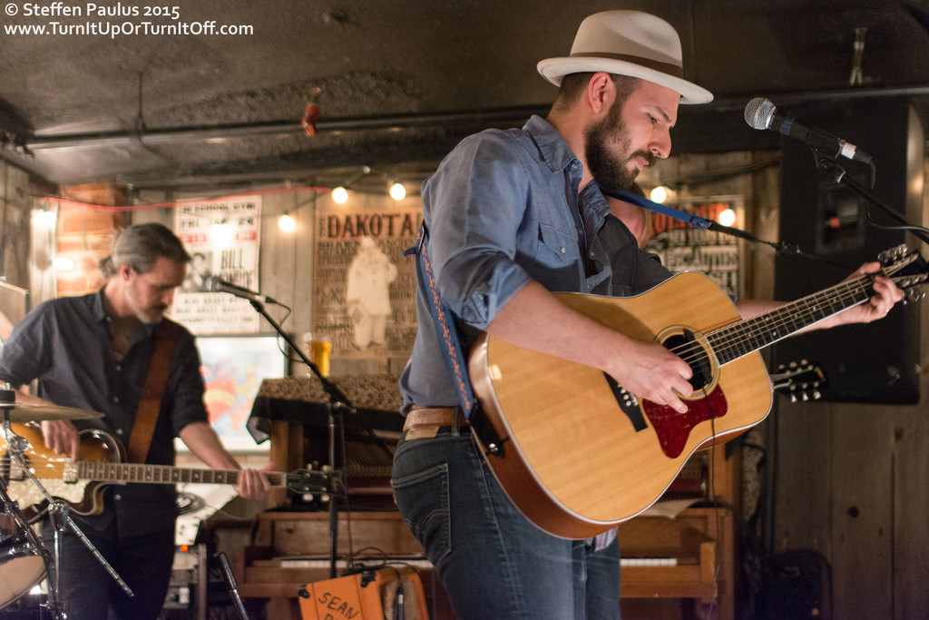 Ben Kunder @ Dakota Tavern, Toronto, ON, 27-May-2015