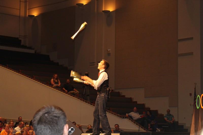 Jesse the Juggler - jessejoyner.com