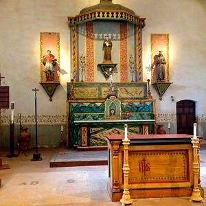 Mission San Antonio de Padua alter