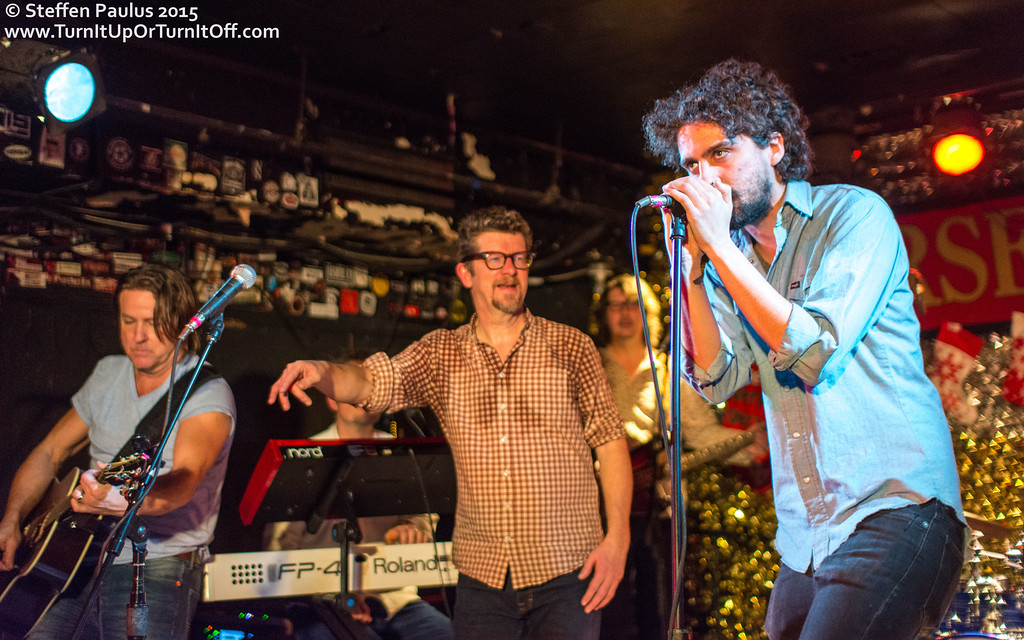 Sam Cash w/ Skydiggers @ Horseshoe Tavern, Toronto, ON, 19-December 2015