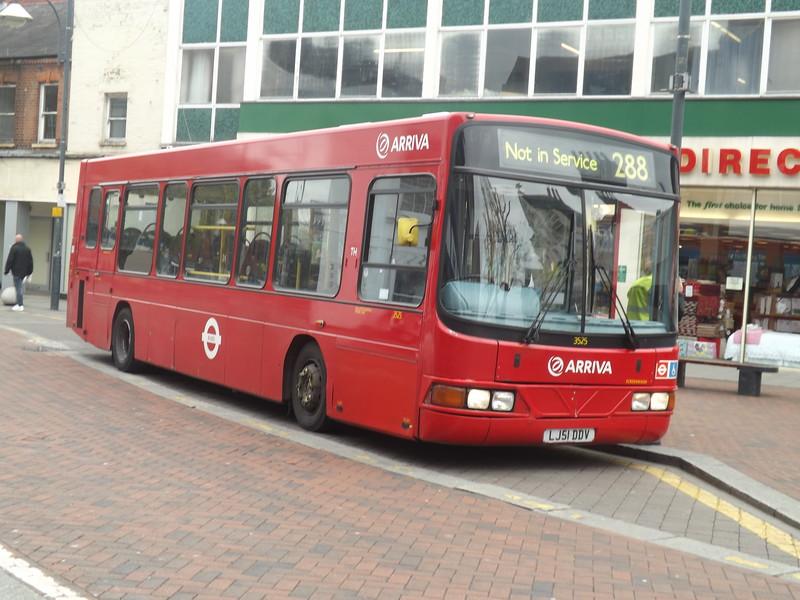 LJ51DVV Watford