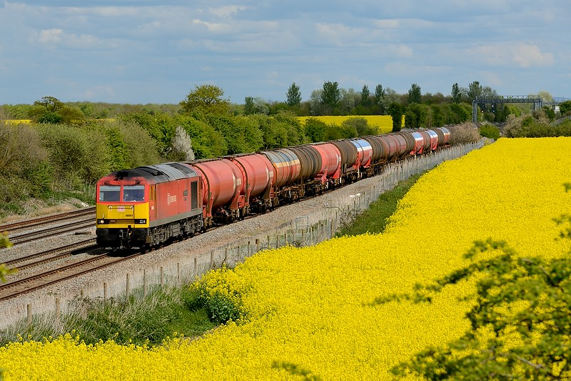 30 April 2015 :: 60091 is seen in Challow Loop working 6B33 the empty oil from Theale to Robeston