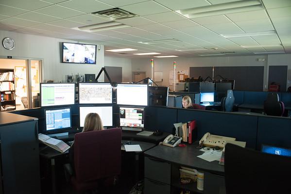JOED VIERA/STAFF PHOTOGRAPHER-Locktport, NY-The Niagara County Sherrifs dispatch room.
