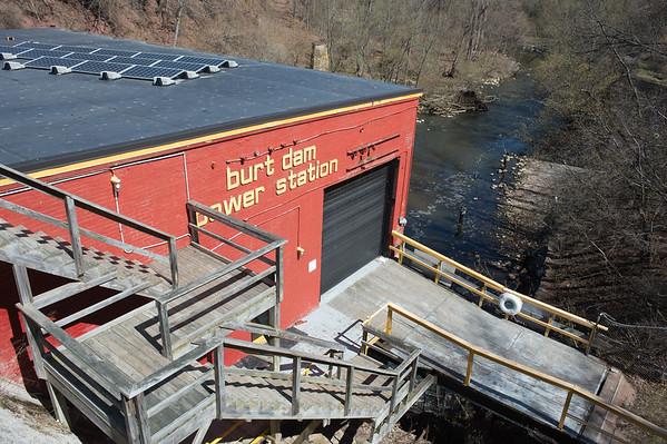 JOED VIERA/STAFF PHOTOGRAPHER-Burt, NY-A view of the Burt Dam Power Station.
