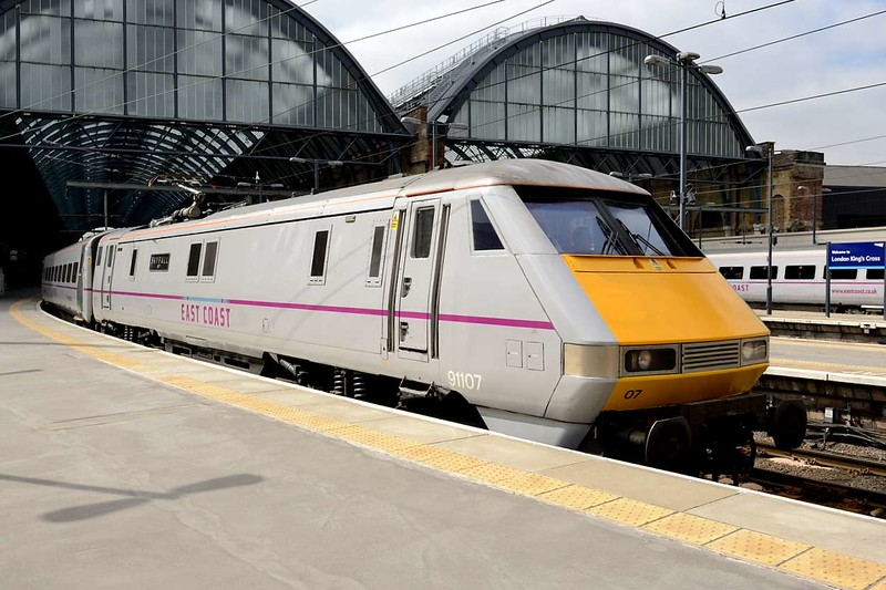 """23 April 2015 :: 91107 """"Skyfall"""" still with its East Coast branding is departing Kings Cross with 1S13, the 1100 to Edinburgh"""