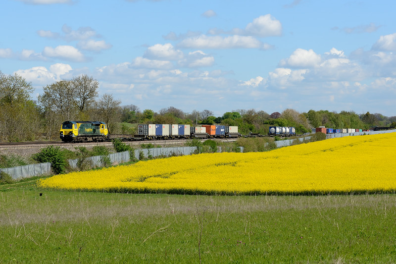 27 April 2015 :: 70003 is heading 4O59 from Wentloog to Southampton at Worting