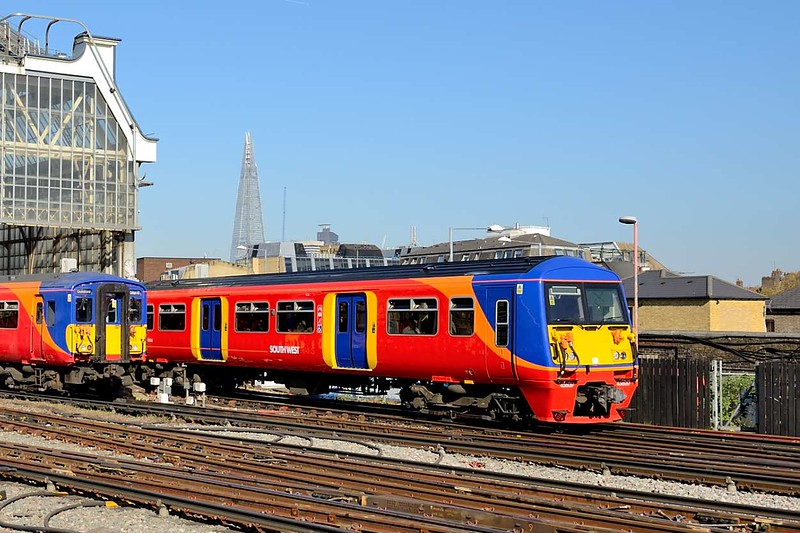 23 April 2015 :: 456017 departs from Waterloo working 2D47, the 1639 Waterloo to Guildford