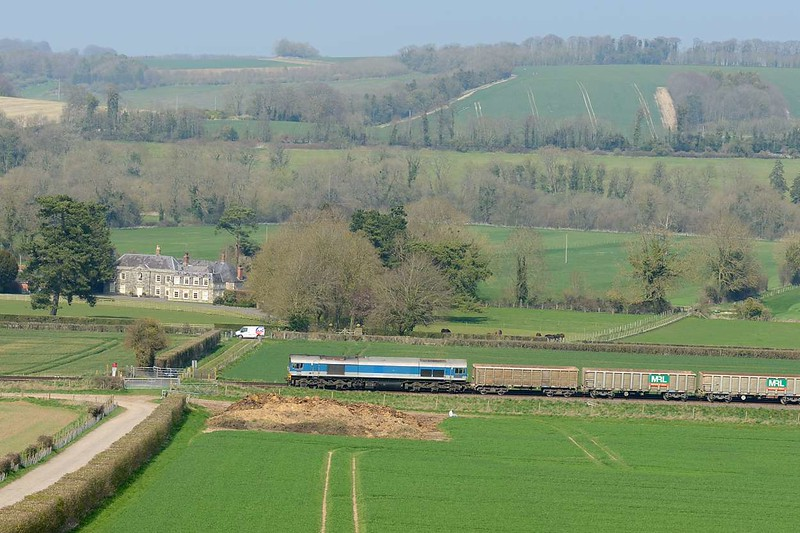 9 April 2015 :: At Bapton we see 59004 heading 7V16 from Fareham to Westbury