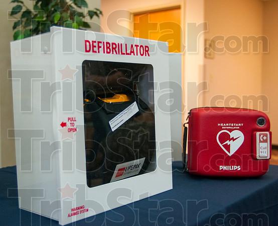 MET 040615 DEFIBRILLATOR