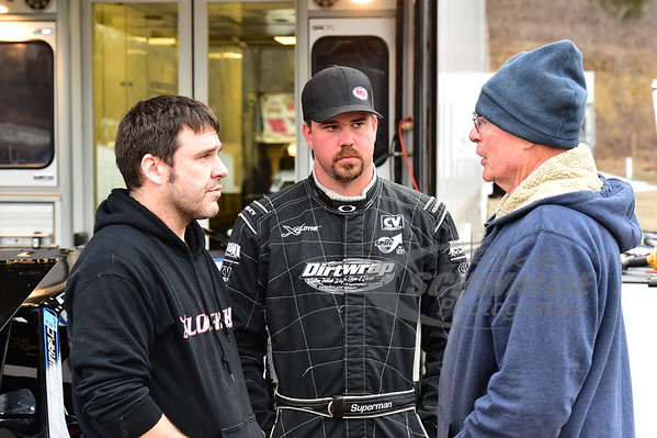 Jonathan Davenport talks with Kevin & LeRoy Rumley
