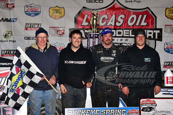 Jonathan Davenport and crew in Victory Lane - LeRoy Rumley, Kevin Rumley and Bryan Liverman
