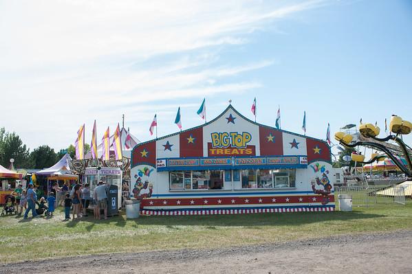 JOED VIERA/STAFF PHOTOGRAPHER-Lockport, NY-Patrons enjoy themselves at the fair.