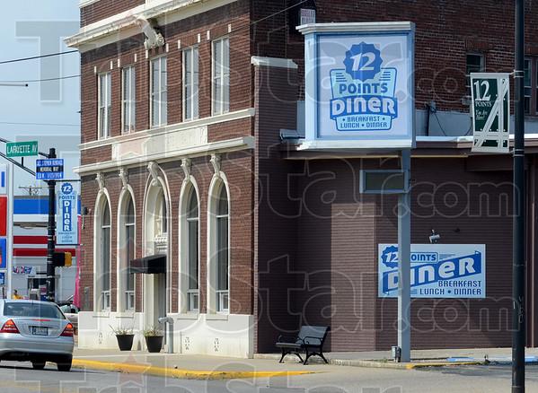 MET081015 diner signs