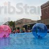 MET082915block balls