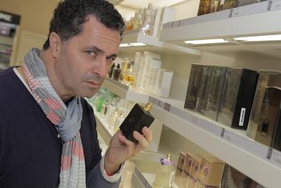 2015-05-30 autogramiada Martin Dejdar - parfem DayDee Fann