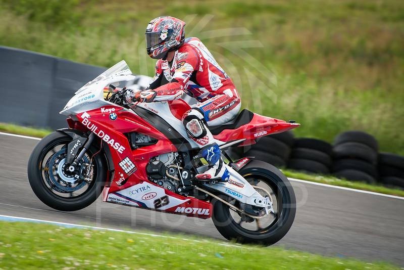 2015-British-Superbikes-05-Knockhill-0152
