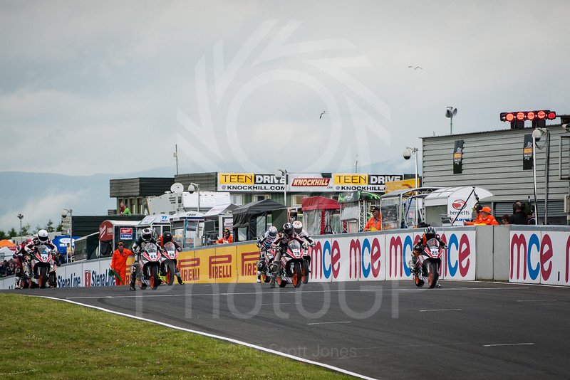 2015-British-Superbikes-05-Knockhill-0037