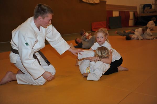 Barn som trener judo