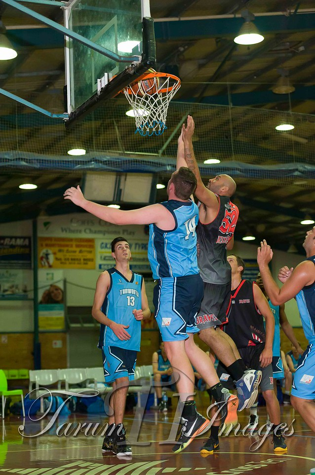 © Braves (70) v Tamworth Thunderbolts (75) 4 July 2015-7494