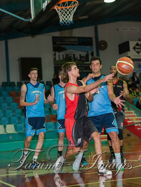 © Braves (70) v Tamworth Thunderbolts (75) 4 July 2015-7837